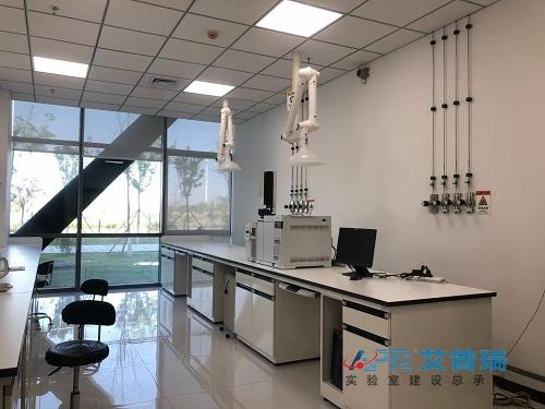 实验台、通风系统、实验室气路安装效果